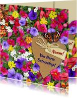 Mooie beterschapskaart vlinder met kleurige bloemen en hart