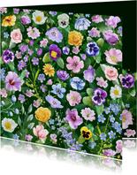 Mooie bloemenkaart met diverse bloemen zoals rozen