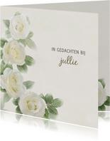 Mooie condoleancekaart met rozen op gewassen achtergrond