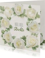 Mooie sterkte kaart met rozen op gewassen achtergrond