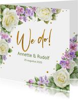 Mooie trouwkaart met rozen en andere bloemen