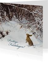 Natuurkerstkaart met wintertafereel 'Konijn in winterbos'
