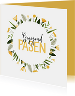 Paaskaart gezegend pasen gele bloemenkrans