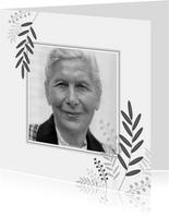 Rouwkaart zwart wit met botanische elementen