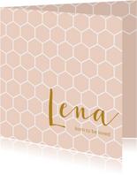 Roze geboortekaartje met een wit honingraat patroon