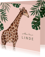 Roze geboortekaartje met giraffe en groene bladeren