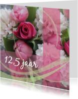 Roze jubileumkaart bloemen