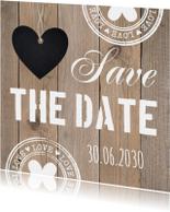 Save the Date kaart typografie hartje houtlook