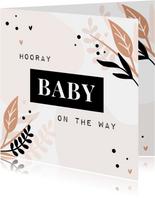 Schwangerschafts-Glückwunschkarte 'Hooray, baby on the way'
