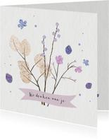 Sterkte kaart met paarse bloemen en takjes
