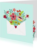 Stijlvolle en kleurrijke bloemenkaart met envelop