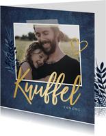 Stijlvolle knuffel moederdagkaart met eigen foto en goud