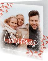 Stilvolle Weihnachtskarte mit Foto und roten Zweigen