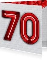 Stoere industriële felicitatie 70 jaar met rode neon cijfers