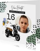 Stoere kaart met geïllustreerde scooter en ballonnen