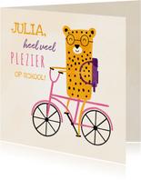 Succes kaart school met luipaardje op roze fiets