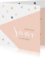 Trendy geboortekaartje met geometrisch vlak en driehoekjes