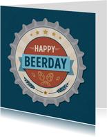Trendy verjaardagskaart met bierdopje