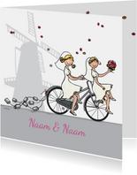 Trouwkaart bruiden fiets en molen