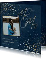 Trouwkaart foto 'Mr & Mrs' donkerblauw met terrazzo patroon