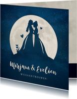 Trouwkaart met silhouetten van 2 vrouwen in volle maan