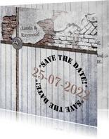 Trouwkaart rustiek hout en steen