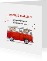 Trouwkaart Volkswagen rood met bruidspaar