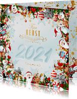 Uitbundige kerstkrans met 2021 in de sneeuw
