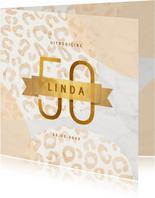 Uitnodiging 50 jaar goud met marmer en panter abstract