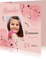 Uitnodiging communie roze meisje spetters en foto