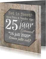 Uitnodiging feest hout en foto
