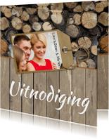 Uitnodiging feest label en hout