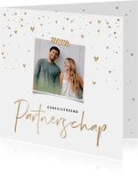 Uitnodiging geregistreerd partnerschap goud confetti