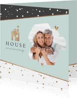 Uitnodiging housewarming stijlvol goud huisje champagne foto
