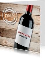 Uitnodiging met rode wijn