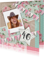 Uitnodiging verjaardagsfeest vrouw bloemen ster foto