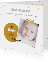 Kinderfeestjes - Uitnodigingskaart 1 jaar foto en confetti