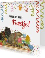 Uitnodigingskaart met feestelijke katten en confetti