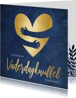 Vaderdagkaart knuffel met goudlook hart met omhelzing