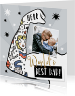 Vaderdagkaart met geïllustreerde arm met tattoo's
