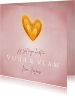 Valentijnskaart hartvormig vlammetje en roze achtergrond