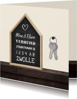 Verhuiskaart krijtbord huis met sleutelbos
