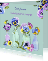 Verjaardag viooltjes in vaasjes