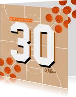 Verjaardagskaart 30 jaar man oranje basketballen en veld