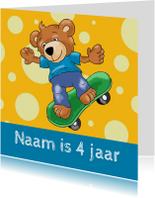 Verjaardagskaart beer skateboard
