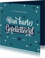 Verjaardagskaart confetti kalligrafie groen blauw typo