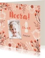 Verjaardagskaart felicitatie meisje bloemen oranje