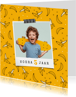 Verjaardagskaart jongen meisje hip banaan foto confetti