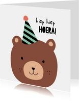 Verjaardagskaart kind bere-gezellige dag Hiep hiep hoera