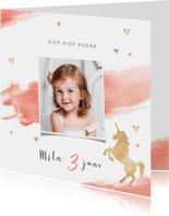 Verjaardagskaart lief roze met hartjes en eenhoorn